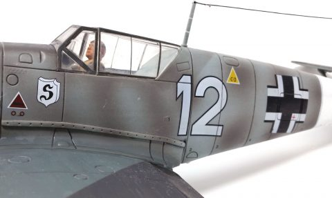 21st Century 1:18 static model Bf 109-3216
